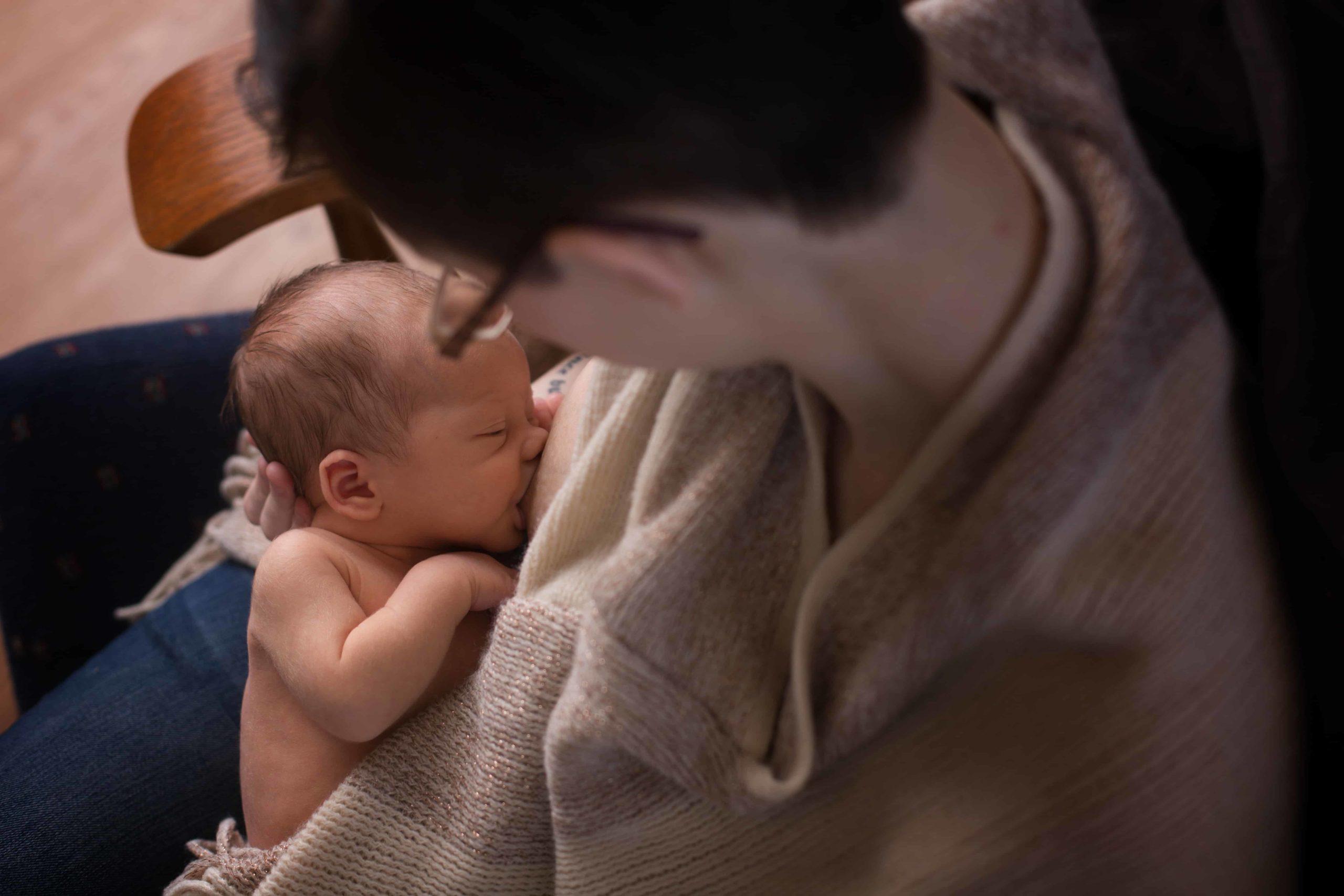 Fort Sill, OK newborn photographer, local newborn photographers, breastfeeding photos