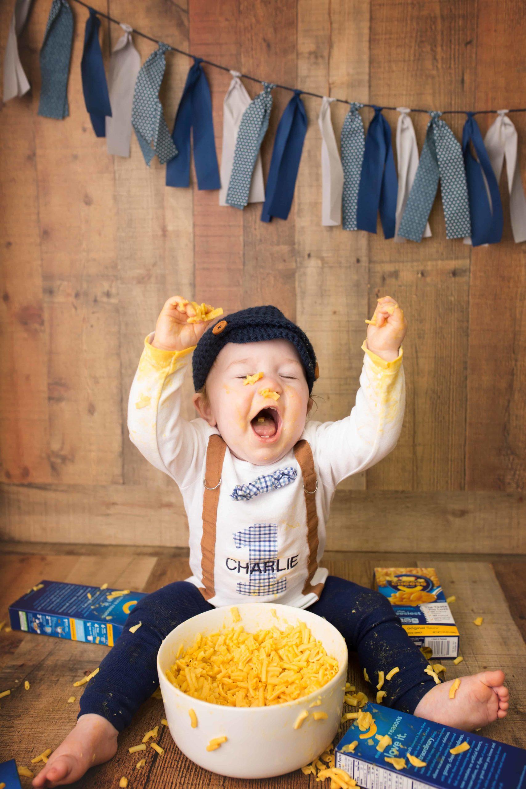 cake smash, cake smash photos, cake smash photo session, lawton photographer, lawton, oklahoma photographer, duncan, oklahoma photographer, chickasha photographer, first birthday, first birthday photo session, first birthday pictures, first birthday pics